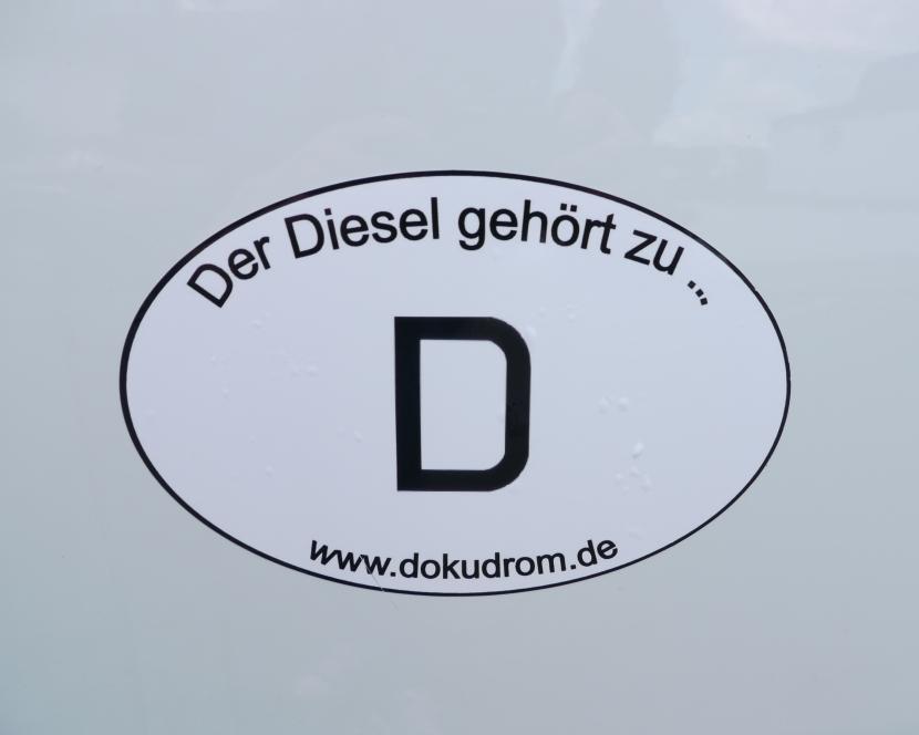 Grenzwerte halbiert, 50% Autos illegal: Deutsche Umwelthilfe – Radab?